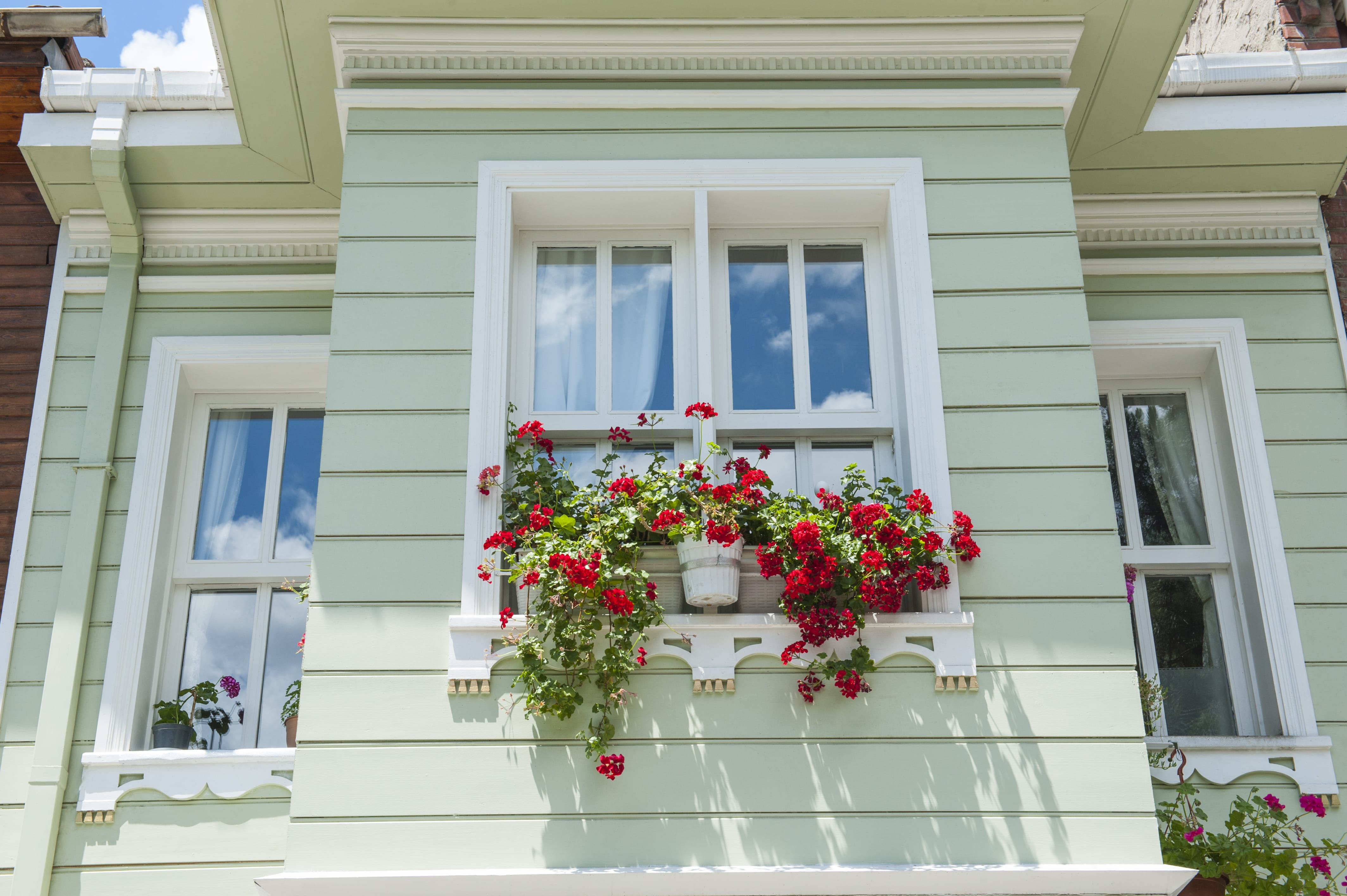 Home Window Replacement Considering The Price Of Bay