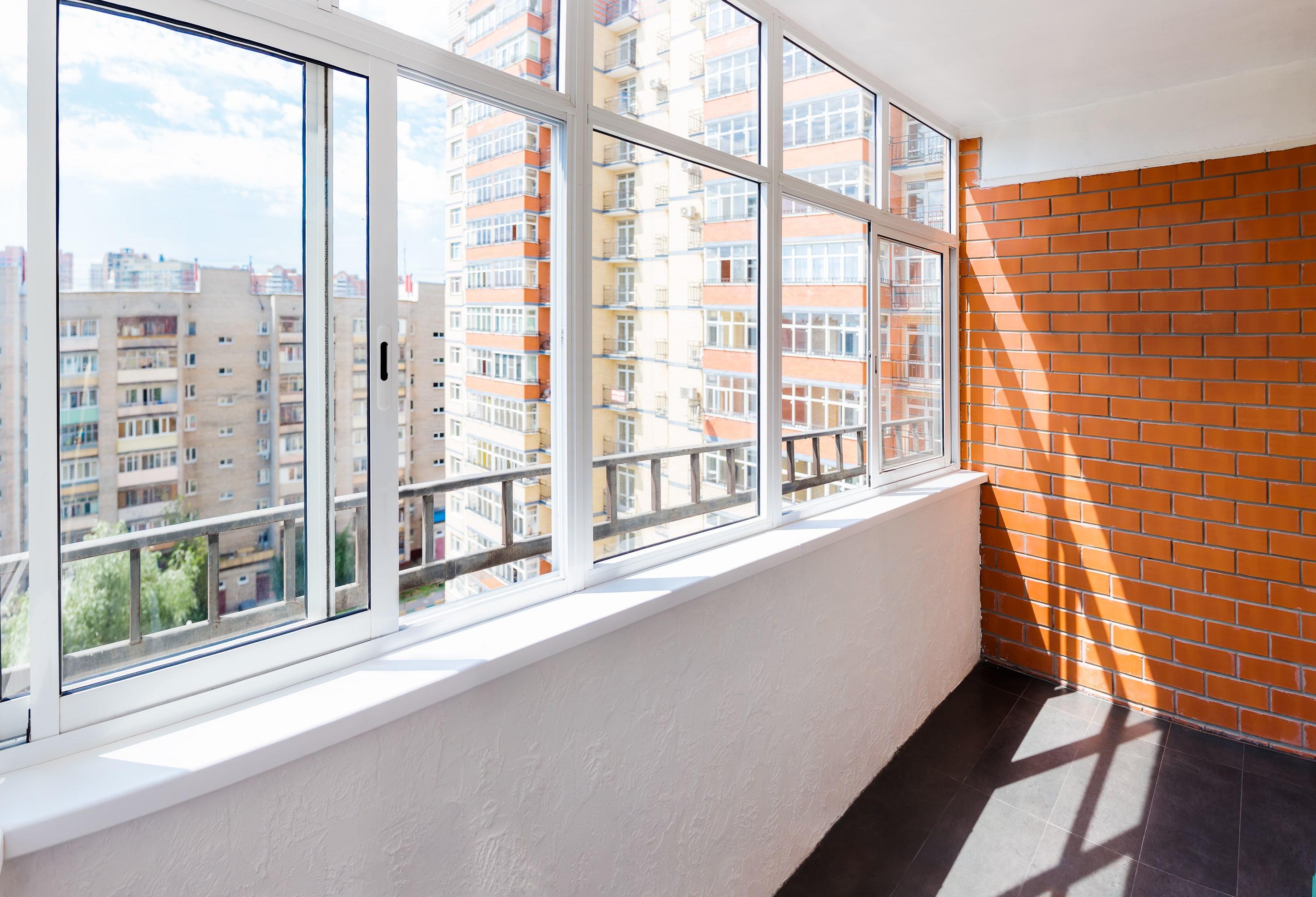 Остекление балконов и лоджий от компании winok - стрічка нов.